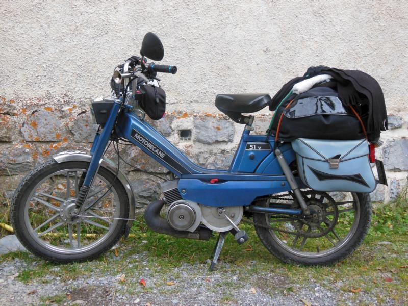 Mobilette bleu