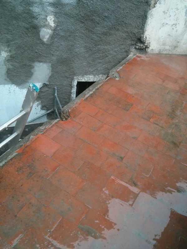 Baustelle im Regen