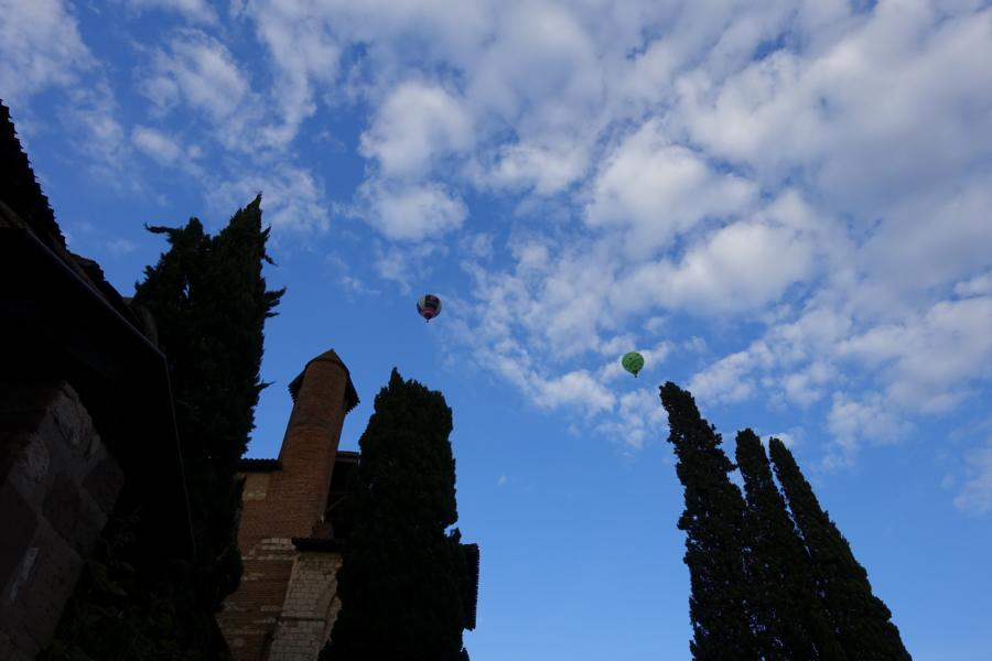 Ballons über Albi