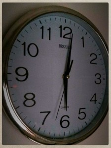 sechs Uhr