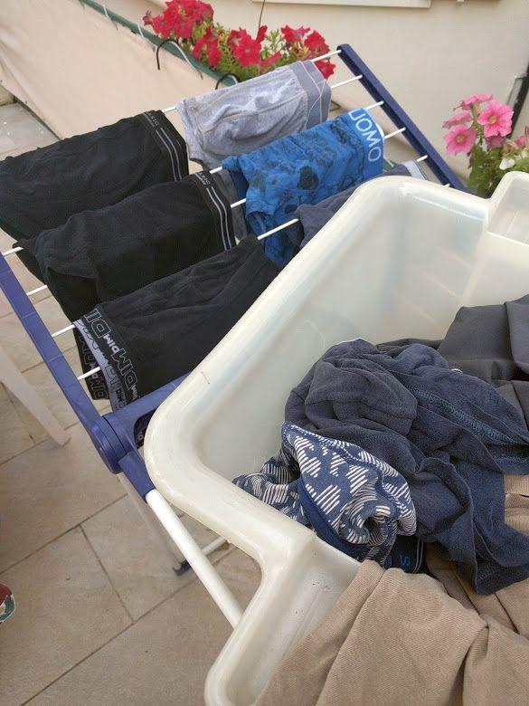 Ich Werfe Schnell Eine Maschine Verschwitzter Männer(unter)wäsche In Die  Waschmaschine Und Hänge Sie Später Auf. Das Glamouröse Leben Der Christiane  D. ...